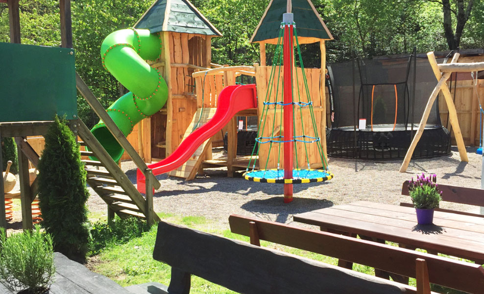 family-restaurant-waldschenke-naturns-kidsclub-spielplatz-06